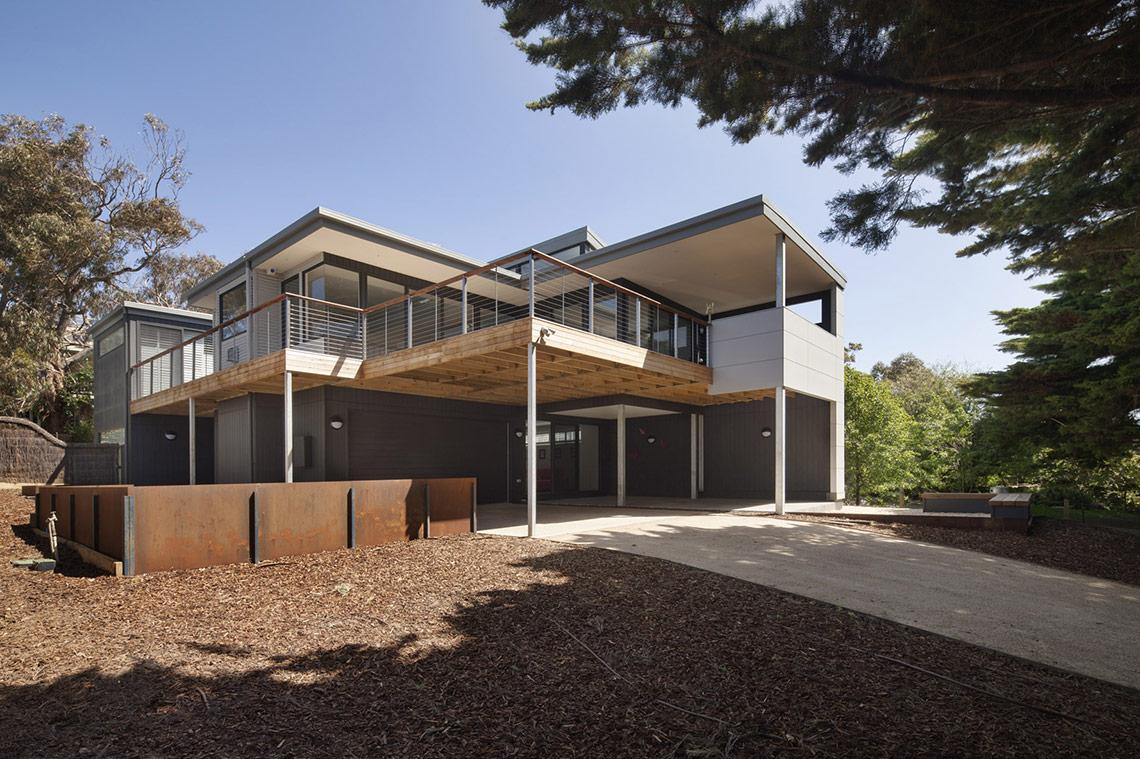 Flinders Barker image 02